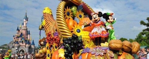 halloween parade mickey minnie